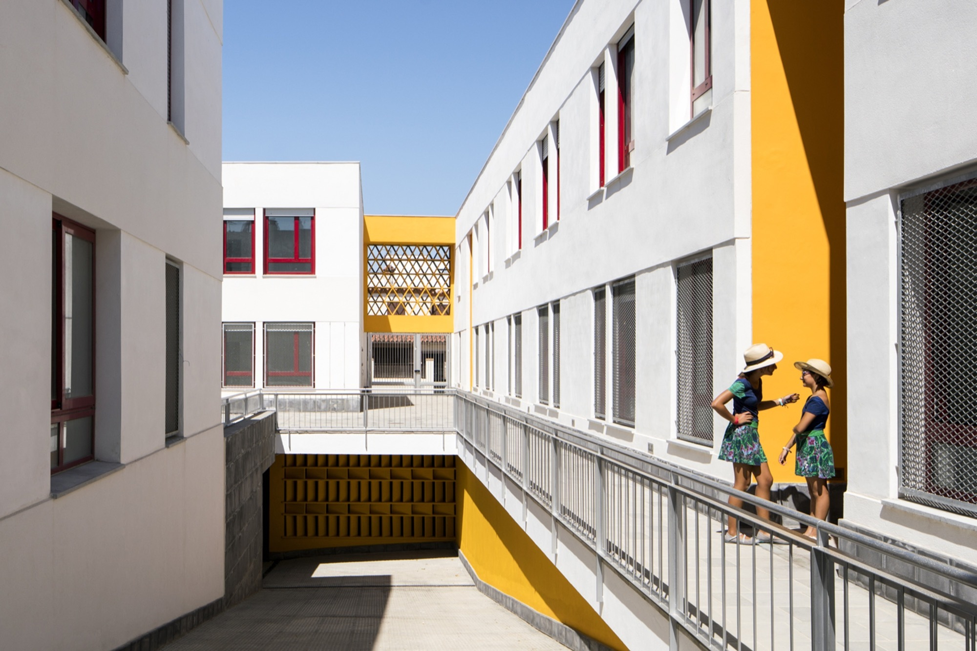 Viviendas Sociales en Chipiona / Gabriel Verd Arquitectos - Plataforma Arquitectura