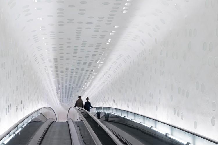 Tube. Image © Iwan Baan