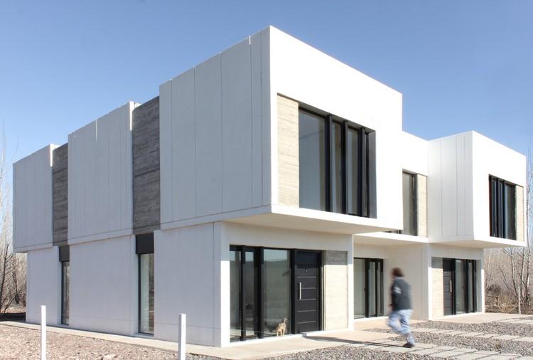 3 duplex in patagonia 4l arq plataforma arquitectura for Plataforma arquitectura