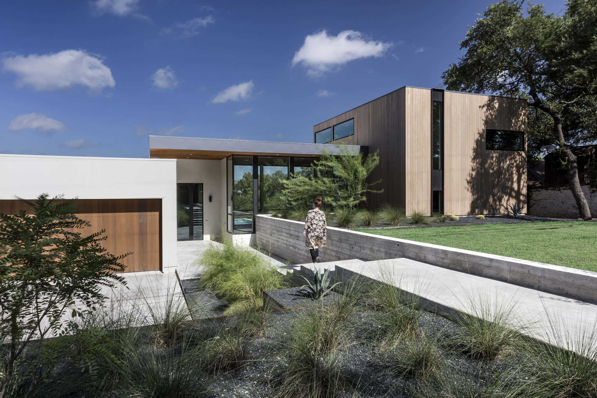 gallery of bracketed space house    matt fajkus architecture