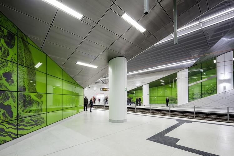 "Graf Adolf Platz Station: ""Achat"". Image © Jörg Hempel"