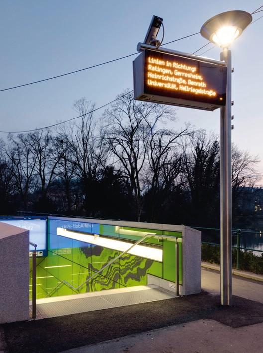 """Graf Adolf Platz Station: """"Achat"""". Image © Achim Kukulis"""