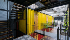 Ccasa Hostel  / TAK architects