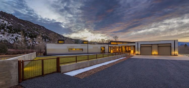 Casa Oblicua / Studio B Architecture + Interiors, © Draper White