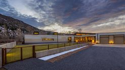 Oblique House / Studio B Architecture + Interiors