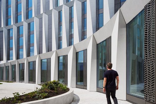 University of Chicago Campus North Residential Commons / Studio Gang