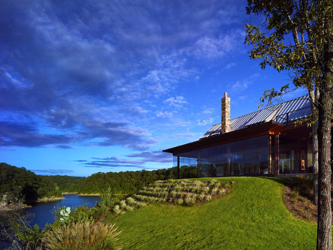gallery of modern farmhouse christopher architecture interiors 1 modern farmhouse luker photography
