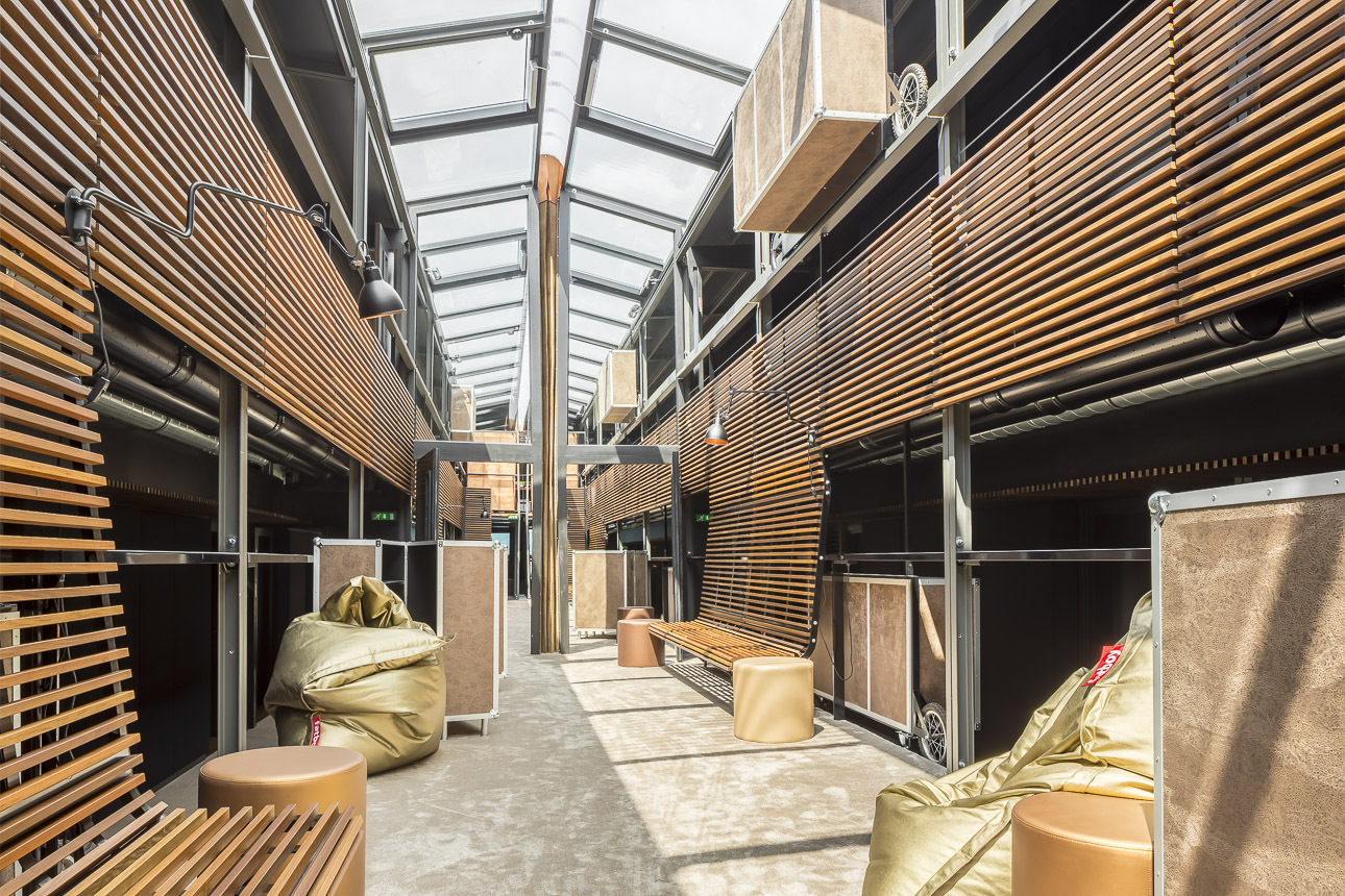 Gallery of hotel flottant seine design 21 for Design hotel 21