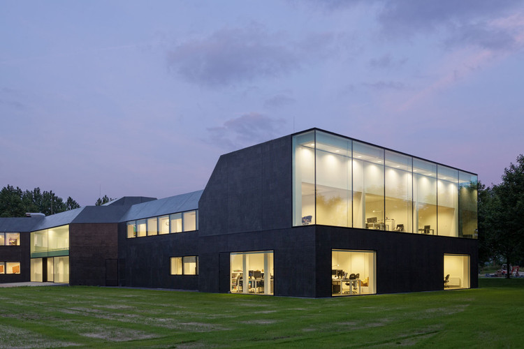 Ayuntamiento Borsele / Atelier Kempe Thill . Image © Ulrich Schwarz