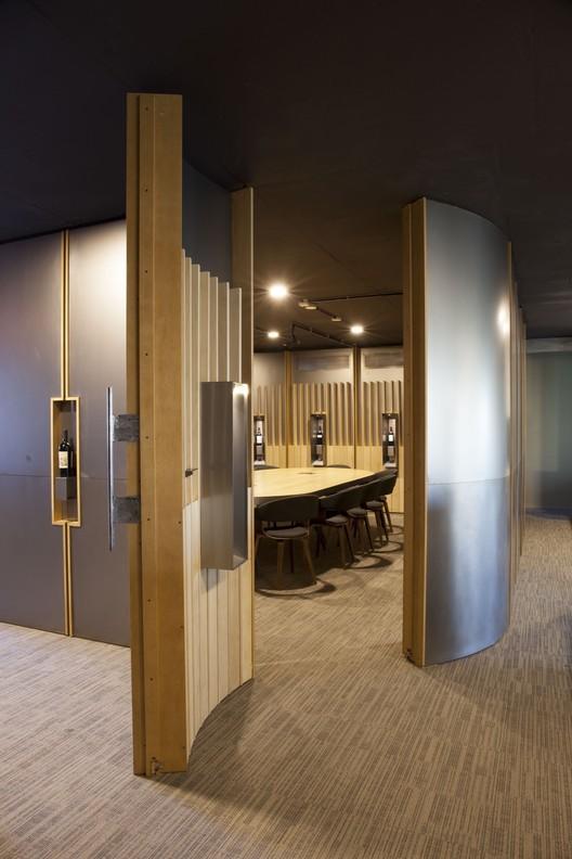 Oficinas Bodegas Bianchi / EPIFITA Arquitectura, © Javier Csecs