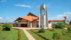 Catedral María Madre de la Iglesia  / Yolanda Forero Castrillón y Jaime Garzón López
