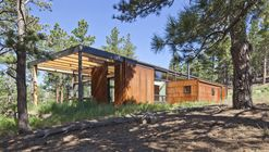 Cabine Boulder / Dynia Architects