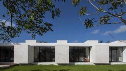 Mauito and Pato's Residence / Mauricio Gallegos Arquitectos