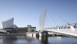 Media City Footbridge / WilkinsonEyre