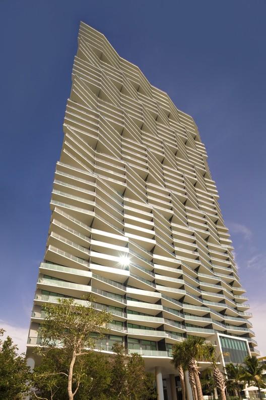 Icon Bay / Arquitectonica. Image © Robin Hill