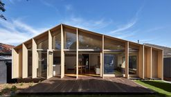 Lean To House / Warc Studio