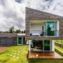 Casa Vistas al Volcán / ARQ. Arte y Diseño Digital