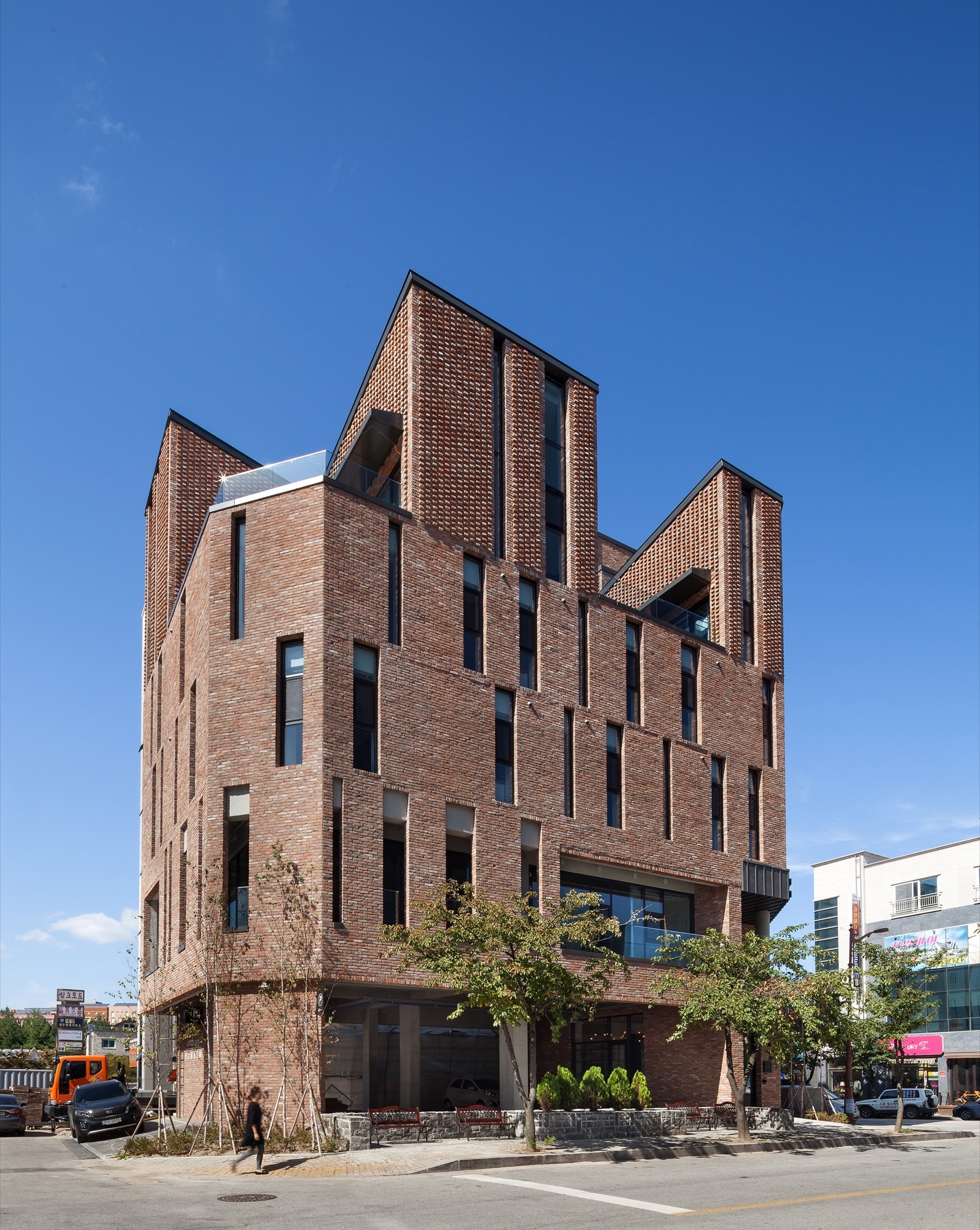 Boutique Hotel: BomBom Boutique Hotel / Architecture Studio YEIN
