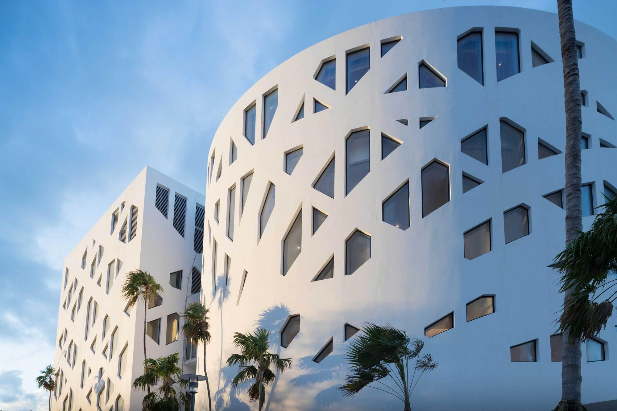 Gallery of faena forum faena bazaar and park oma 2 - Modern architectural trio ...