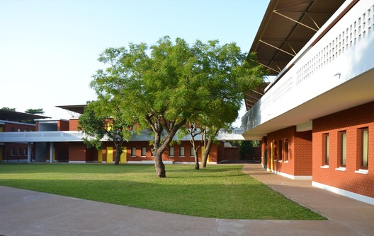 French School in Lome / Segond-Guyon Architectes