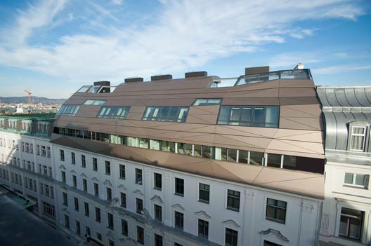 Urban Reflections  / HOLODECK architects