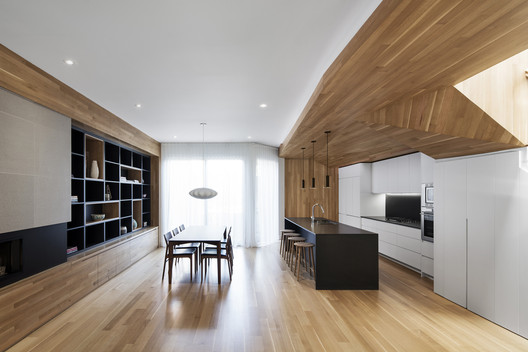 La Casa of Paul & Sigi / MXMA Architecture & Design