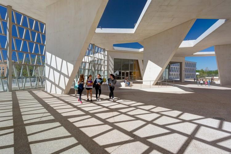 Grüntuch Ernst Architekten: German School Madrid / Grüntuch Ernst Architects