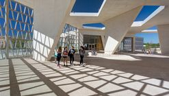 German School Madrid / Grüntuch Ernst Architects