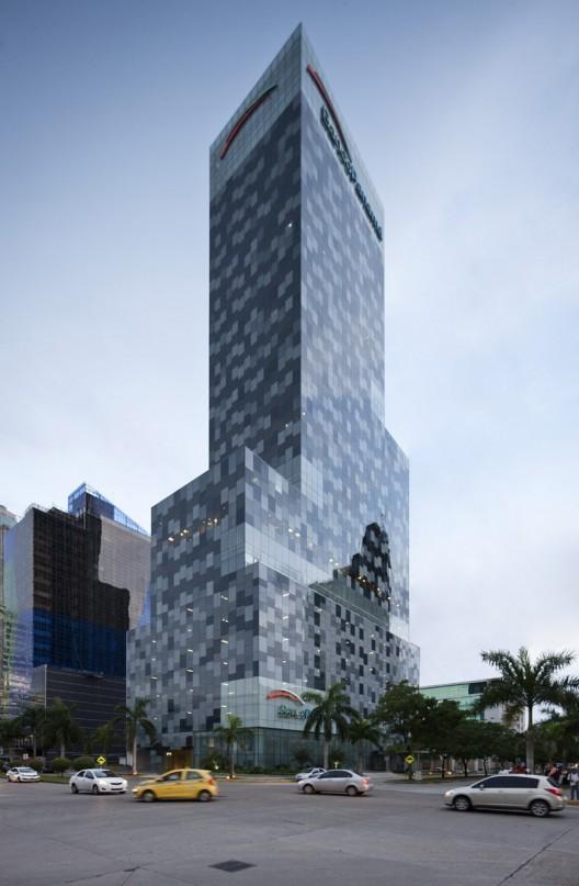 Torre Banco Panama. Image © Fernando Alda