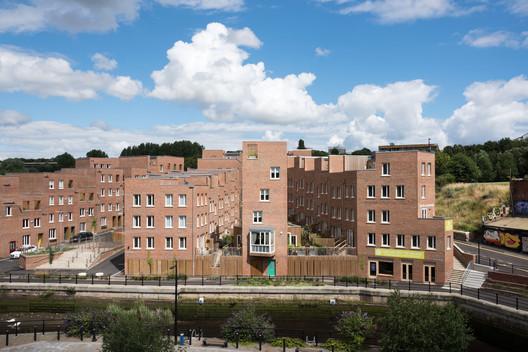 <a href='http://www.ashsak.com/project/the-malings-newcastle/'>The Malings, Newcastle / Ash Sakula</a>. Image © Jill Tate