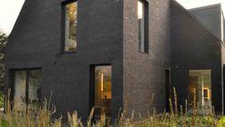 Villa Black  / K2A