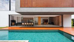 Residencia ACT  / CF Arquitetura