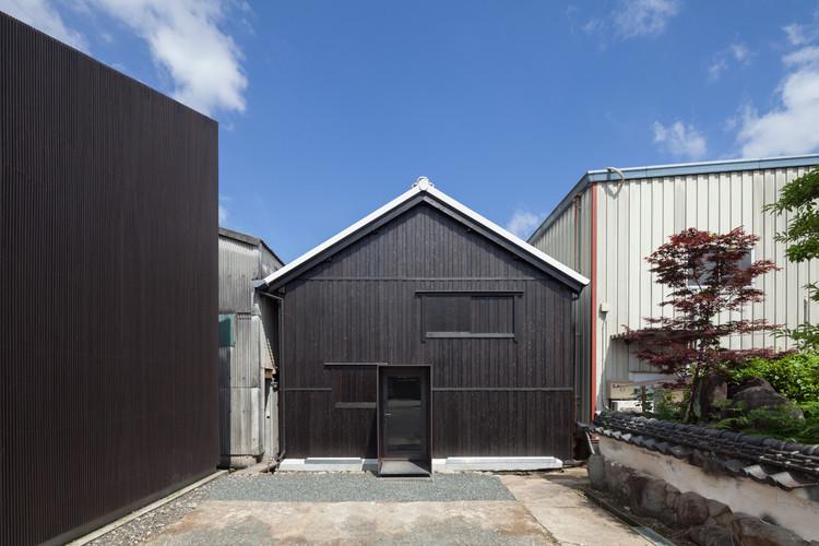 Fukuchiyo Sake / yHa architects, © Techni Staff