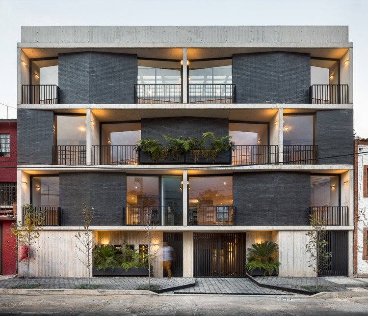 Portales Dwelling / Fernanda Canales, ©  Rafael Gamo