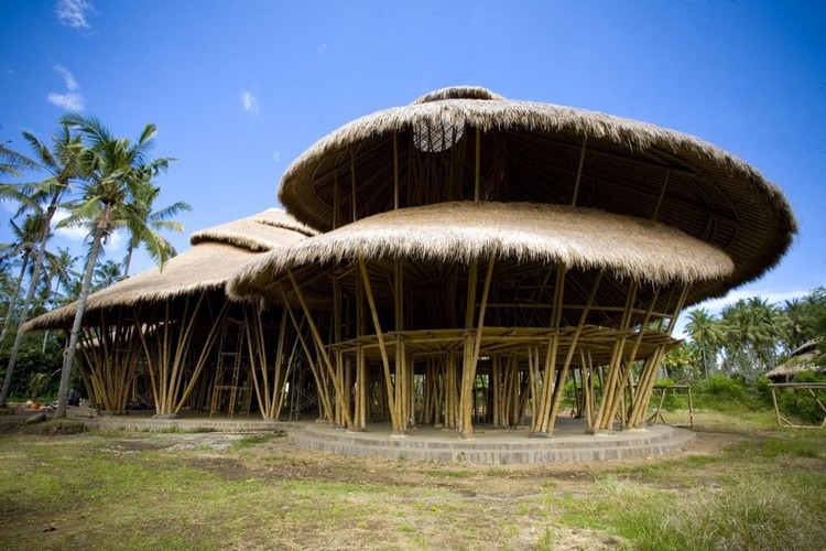 <a href='http://www.archdaily.com/81585/the-green-school-pt-bambu'>The Green School by PT Bambu</a>. Image Courtesy of PT Bambu