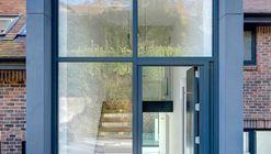 The Hill House / AR Design Studio