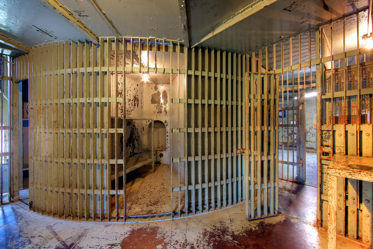 99% Invisible Explores the Strange Phenomenon of Rotary Jails, © Flickr cc use Martin Konopacki
