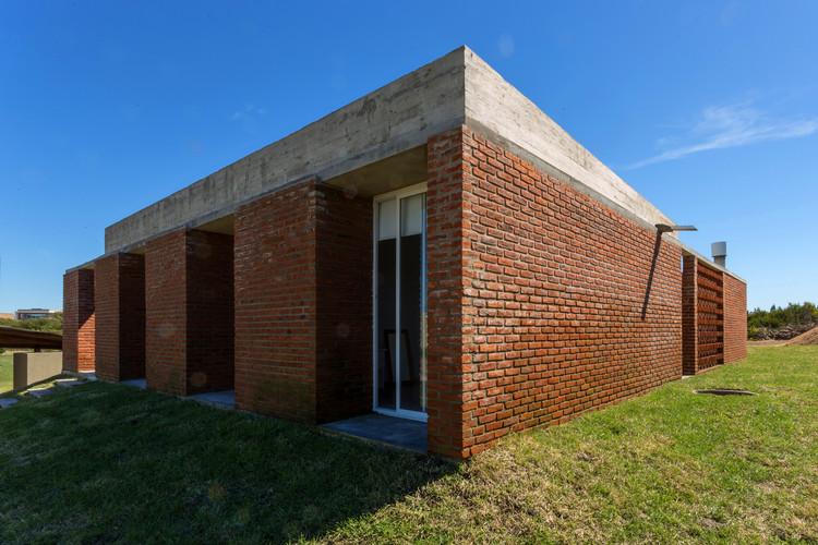 Casa lote 117 centro cero estudio plataforma arquitectura - Ladrillos traslucidos ...