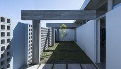 House RR  / Rivero Rolny Arquitectos