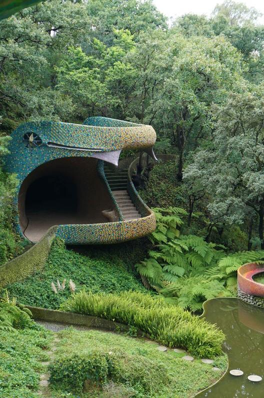 Javier senosiain exponente de la arquitectura org nica en for Arquitectos y sus obras