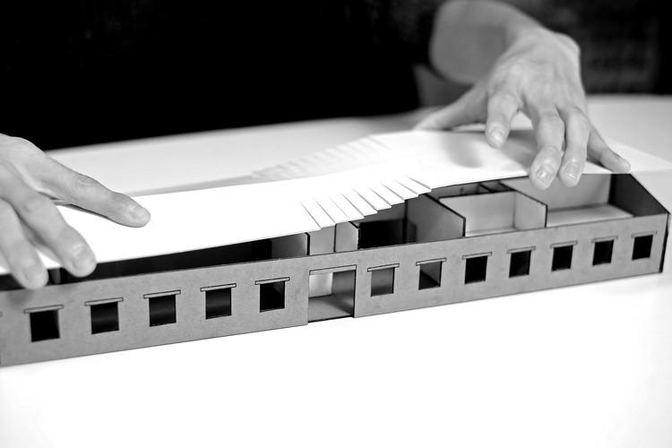 Roof model test