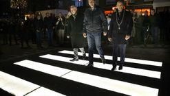 En los Países Bajos inauguran un cruce peatonal luminoso que hace más visibles a los peatones