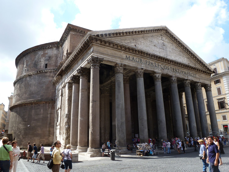 AD Classics: Roman Pantheon / Emperor Hadrian, Courtesy of Flickr user Phil Whitehouse (licensed under CC BY 2.0)