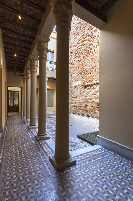 Casa  Bolivar / Estudio GEYA, © Federico Kulekdjian