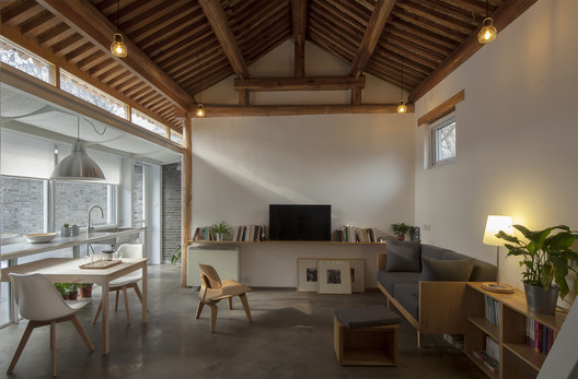 House Renovation in Xirongxian Hutong / OEU-ChaO
