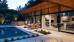 Casa muro de cristal / Klopf Architecture