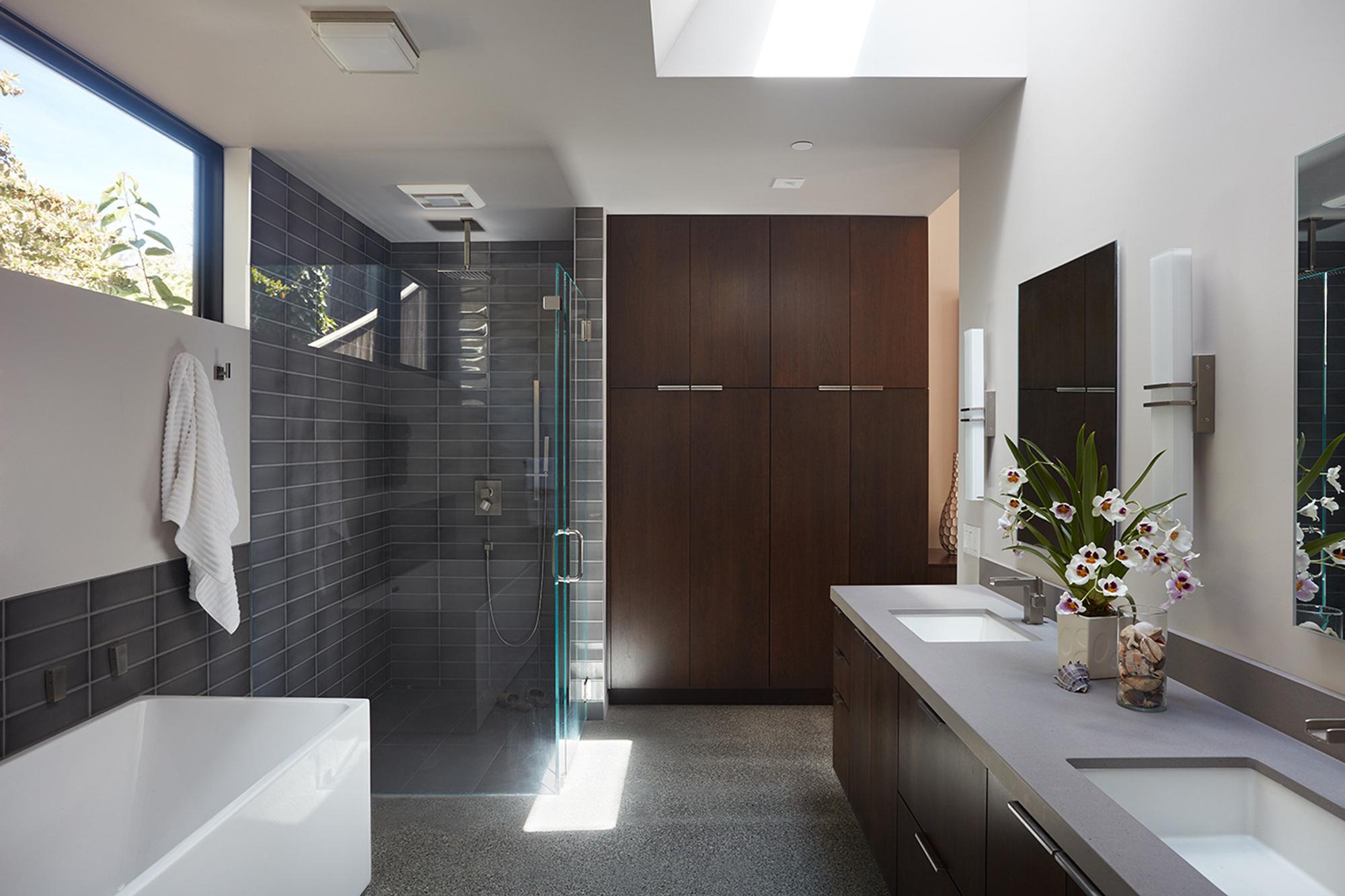 Galer a de casa muro de cristal klopf architecture 15 - Most beautiful bathrooms designs collection ...