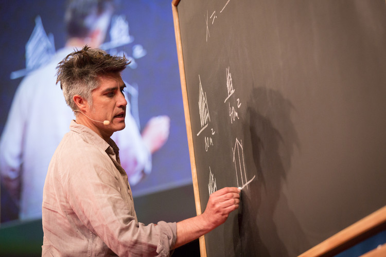 "New York Times Names Alejandro Aravena Among 28 ""Creative Geniuses"" of 2016, Alejandro Aravena at TEDGlobal 2014. Image © TED Conference (Flickr) licensed under CC BY-NC 2.0"