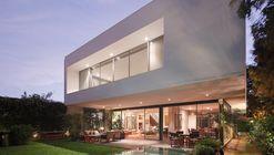 House M  / Jaime Ortiz de Zevallos
