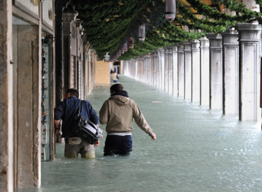 Acqua Alta in Piazza San Marco in 2015. Image Courtesy of MOSE